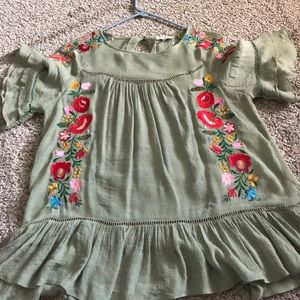 Umgee Embroidered Top Size Small